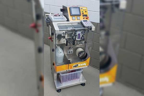 Máquina empacotadora de sachês automática